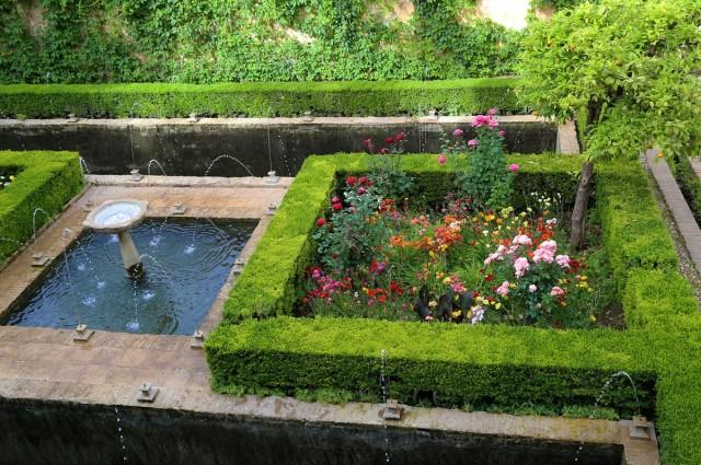 Квадраты, вода, высокие стены или изгороди - визитная карточка мавританских или мусульманских садов