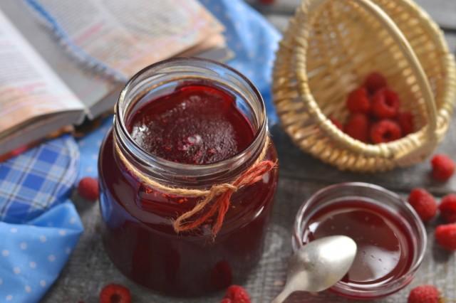 Малиновое желе — вкусная заготовка на зиму из ягод