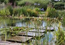 Обустраиваем опоры для мостков и настилов на водоемах правильно