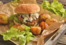 Домашние бургеры с жареной картошкой