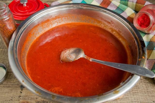 Варим домашний кетчуп из томатов и слив 15 минут
