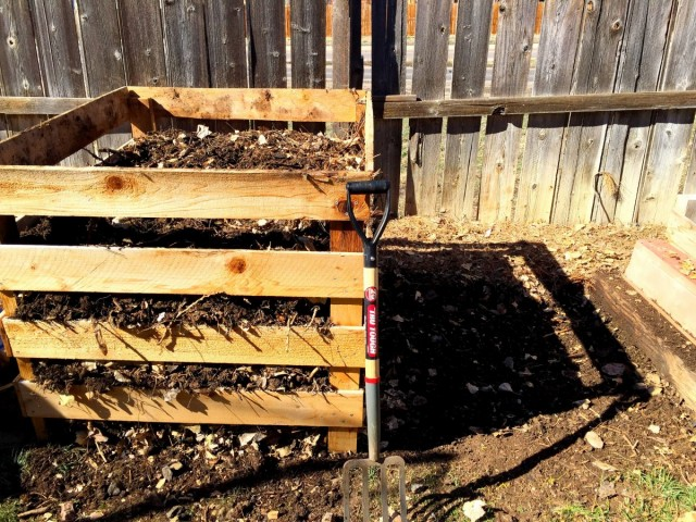 Зона с компостом должна быть размещена так, чтобы вы могли легко получить доступ к ней