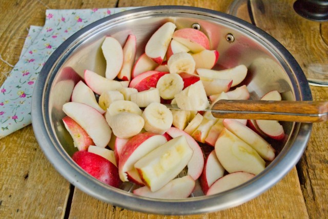 К яблокам добавляем банан