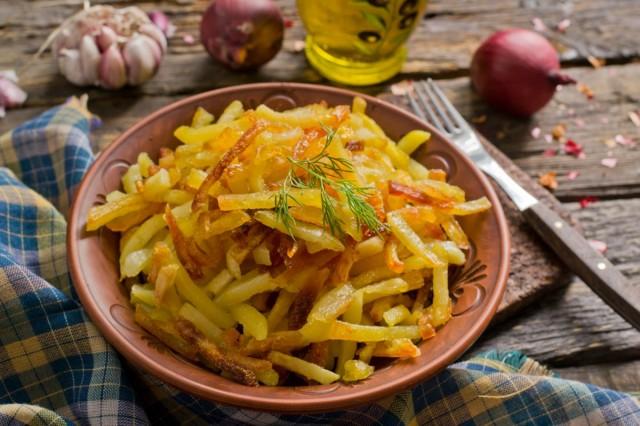 Жареная картошка в духовке — когда хочется себя побаловать