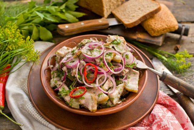 Деревенский мясной салат