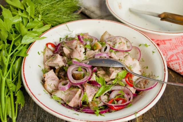 Оставляем салат мариноваться