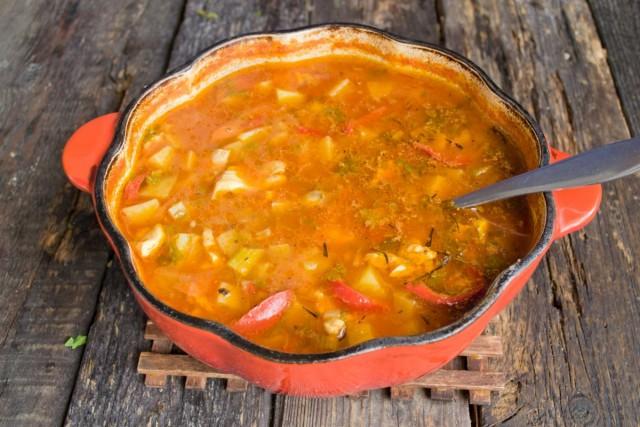 Варим куриный суп на маленьком огне 40 минут-1 час