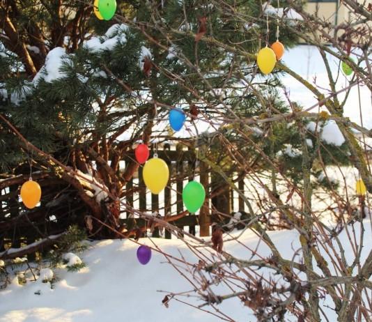 Новогодний декор сада своими руками