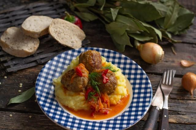 Фрикадельки по-итальянски, или Мясные шарики в овощном соусе