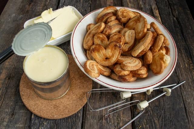 Ингредиенты для ленивого торта «Наполеон» без выпечки