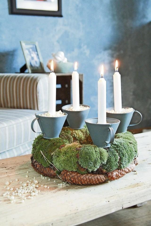 Композиция из свечек с чашками