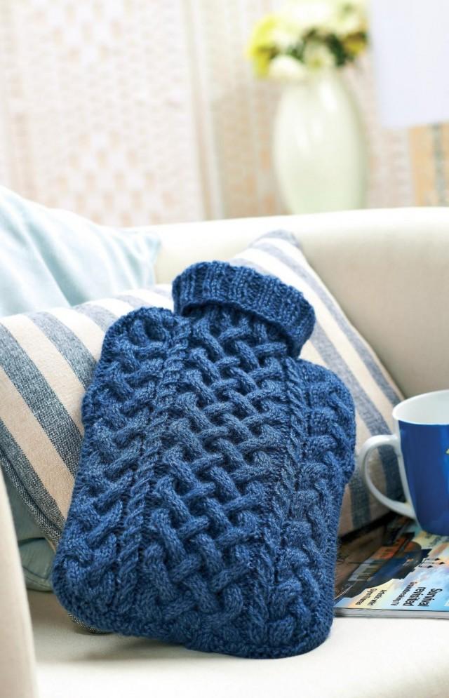Грелка в вязаном чехле