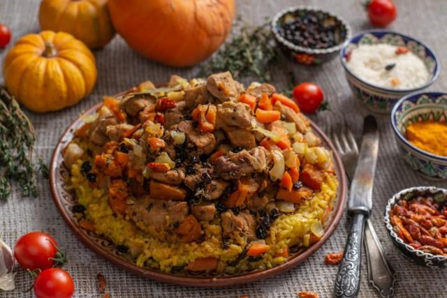 Рассыпчатый плов с тыквой и мясом по-азербайджански
