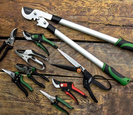 Для правильной обрезки важен инструмент, который используется