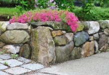 Подпорные стенки — какие бывают и как создать?