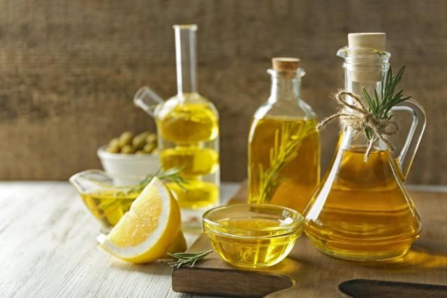 Для розмаринового масла лучше брать подсушенные листики растения