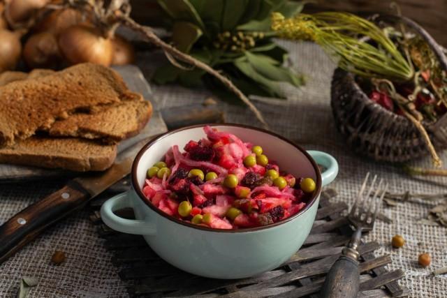 Винегрет с яблоком и квашеной капустой — вкусный салат к посту