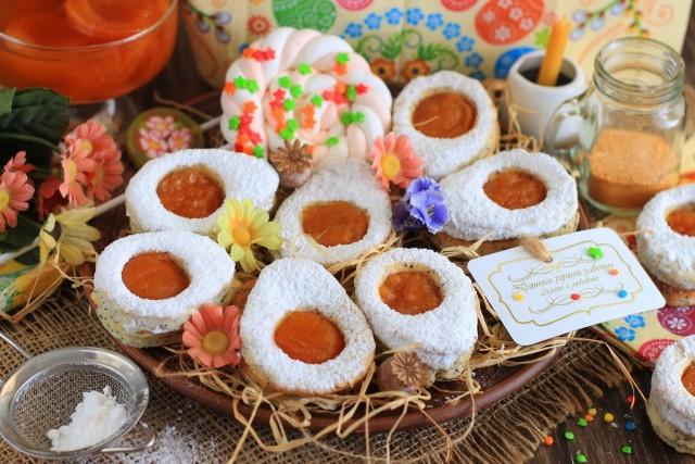 Творожное печенье «Пасхальные яйца» с абрикосовым джемом