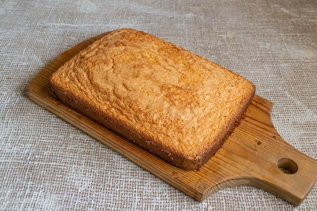 Отправляем тесто в нагретую духовку и выпекаем 30 минут