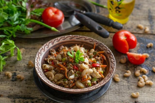 Рожки из полбы с говядиной — полезные макароны по-флотски