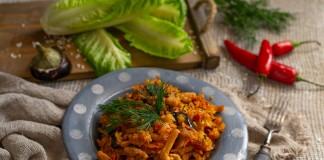 Свинина с баклажанами — пикантное рагу с овощами и рисом