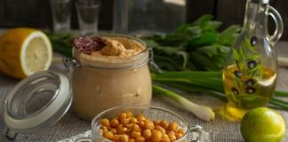 Закуски из нута — хумус с вялеными томатами и жареный нут