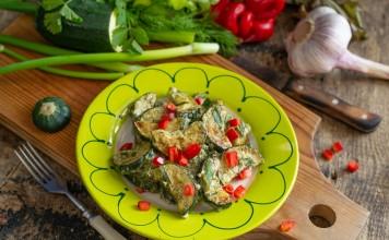 Жареные кабачки со сметаной и чесноком