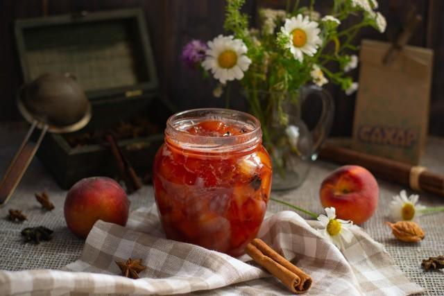 Пряное варенье из персиков
