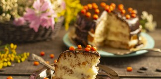 Вкусный домашний торт с влажным бисквитом на растительном масле