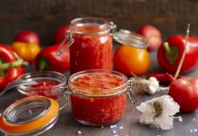 Ароматный соус сацебели из помидоров с перцем