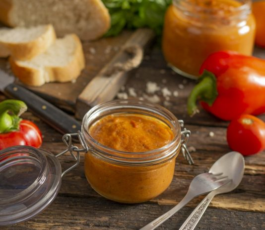 Балканский овощной соус айвар из перца на зиму