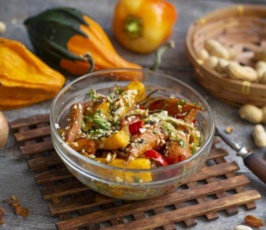 Постный салат из запеченной тыквы