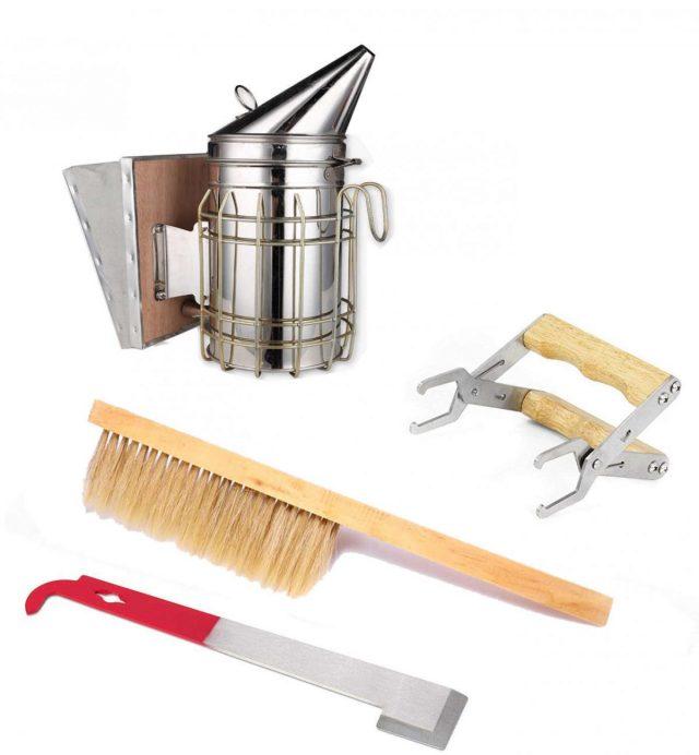 Полезные инструменты: дымарь, щётка для сметания пчёл держатель для рамок, пасечная стамеска