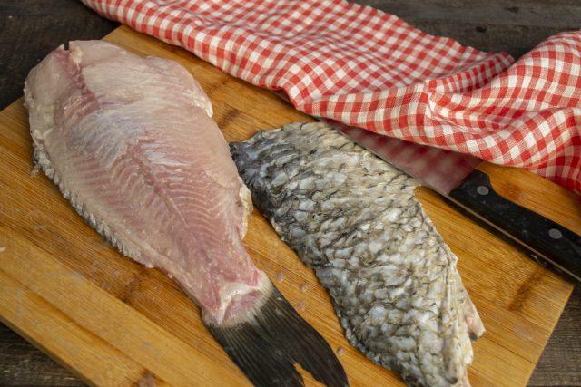 Подготавливаем рыбу
