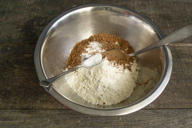 Добавляем питьевую соду и пекарский порошок