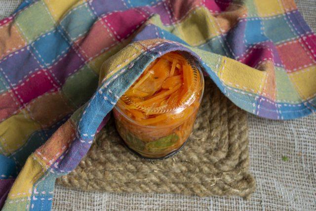 Пикантная морковь на зиму для гарниров и салатов готова