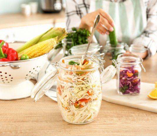 Почему надо квасить овощи и как правильно это делать?