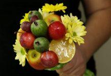 Букет из фруктов своими руками — оригинальный подарок к празднику