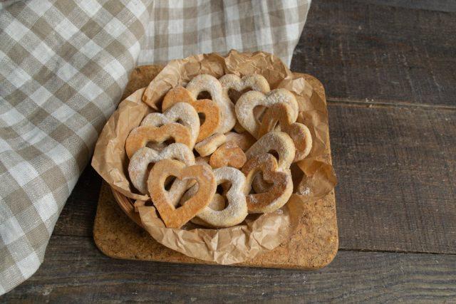 Вкусное имбирное печенье-валентинки ко Дню влюблённых готово