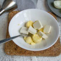 Добавляем любой сливочный творожный сыр