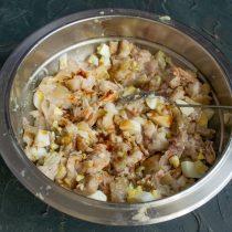 Добавляем столовую ложку соевого соуса