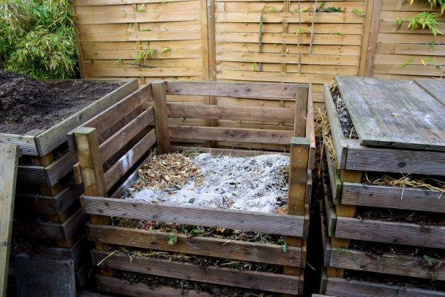 Зола каменного угля будет эффективна исключительно в смеси с компостом