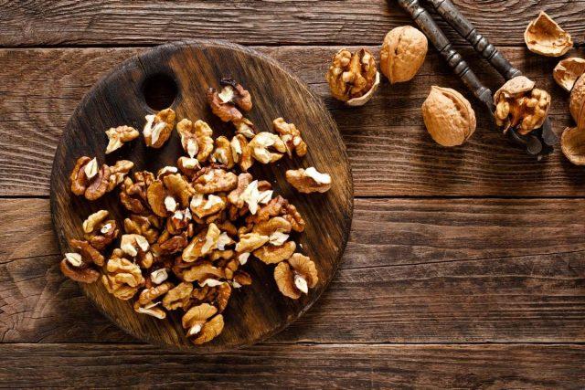 За основу для дипов я беру семена и орехи