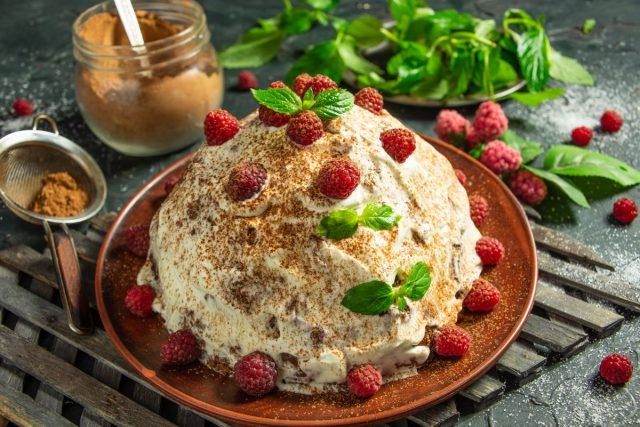 Вкусный торт «Панчо с малиной» из простых и доступных продуктов