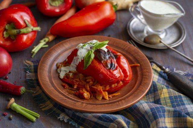 Фаршированный перец по-мексикански — с овощной начинкой