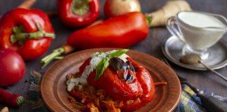 Фаршированный перец с овощным фаршем по-мексикански