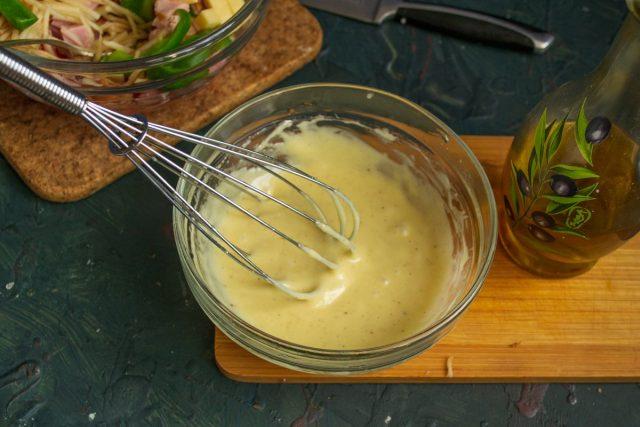 Перемешиваем соус