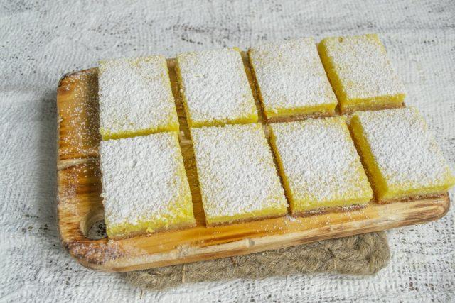 Лимонное пирожное к празднику готово