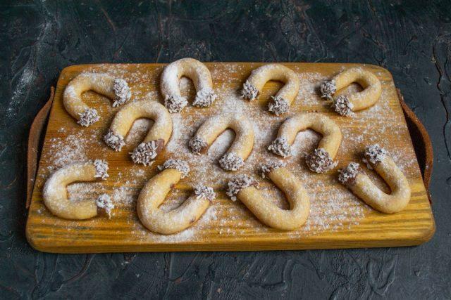Песочное печенье «Подкова» готово