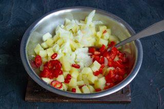 Собираем ингредиенты салата